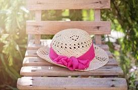 hat-825456__180