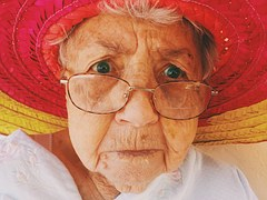 old-woman-945448__180